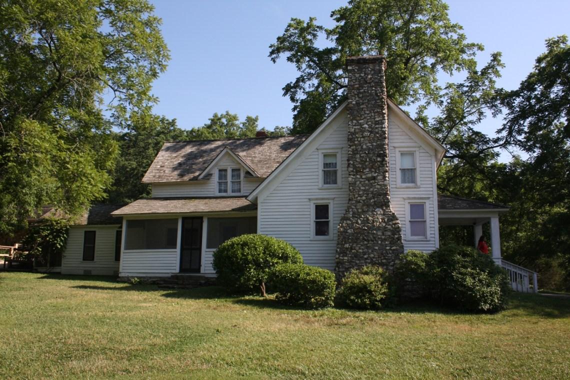 Farmhouse Houseplans