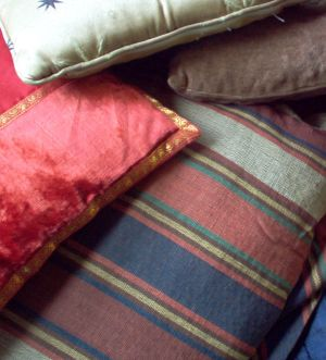 English: Photo of a bunch of cushions that I t...