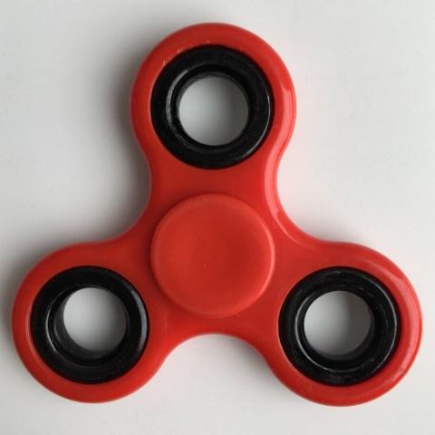 Fidget spinner red, cropped.jpg