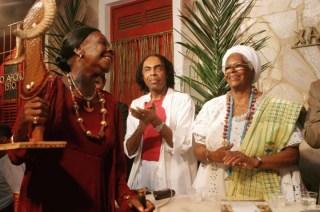 Ficheiro:Mãe Olga ministro da Cultura Gilberto Gil mãe Stella.jpg