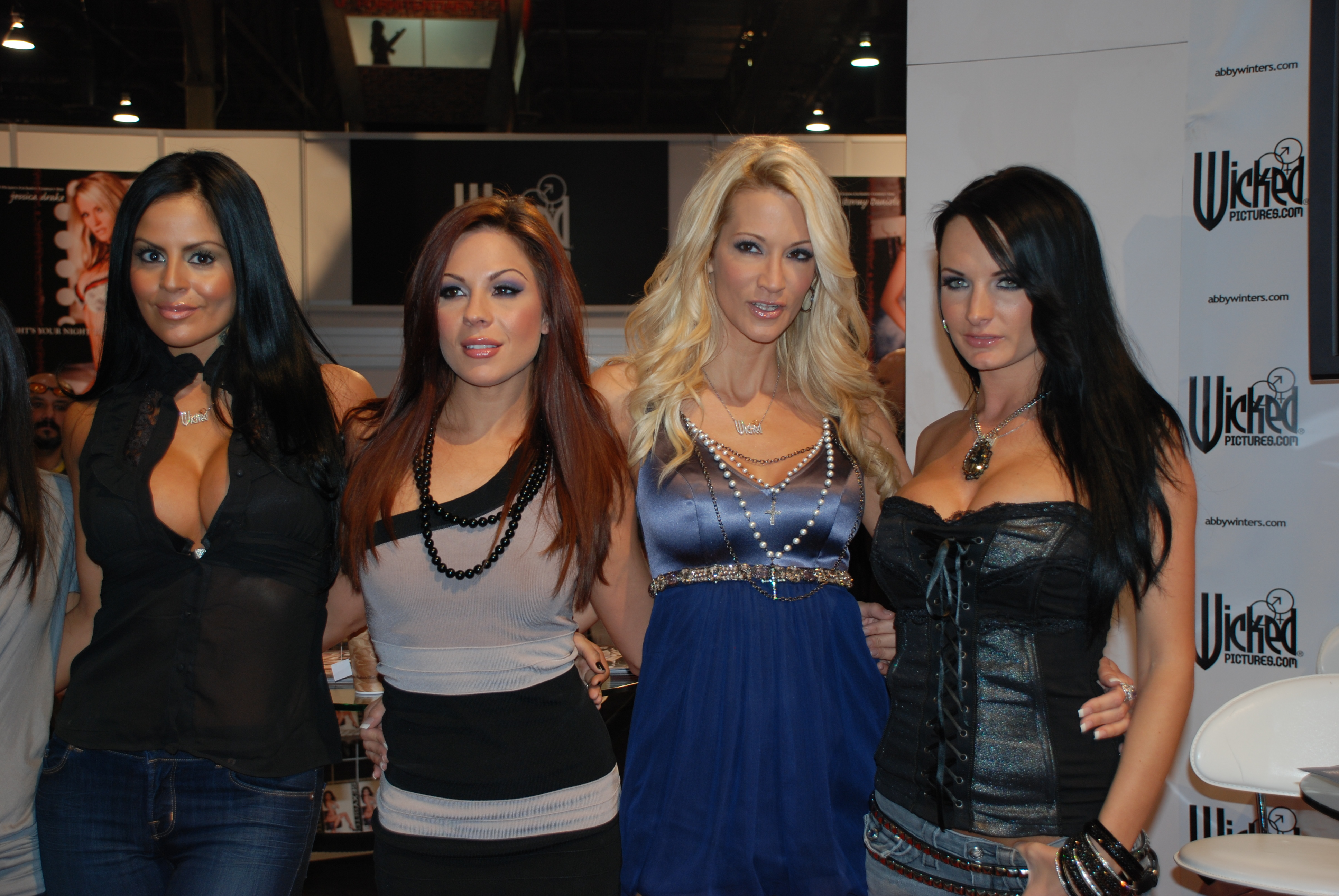 Filewicked Girls At Avn Adult Entertainment Expo 2009 1 Jpg