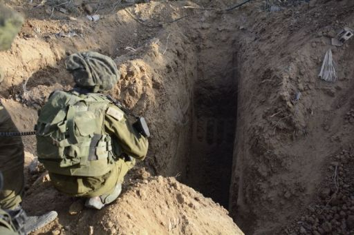 IDF Soldiers Uncover Tunnels in Gaza (14513059999)