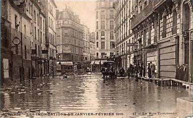 File:Rue Trousseau 1910 1.jpg