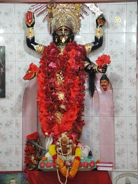 The statue of Hindu Goddess Kali inside the Te...