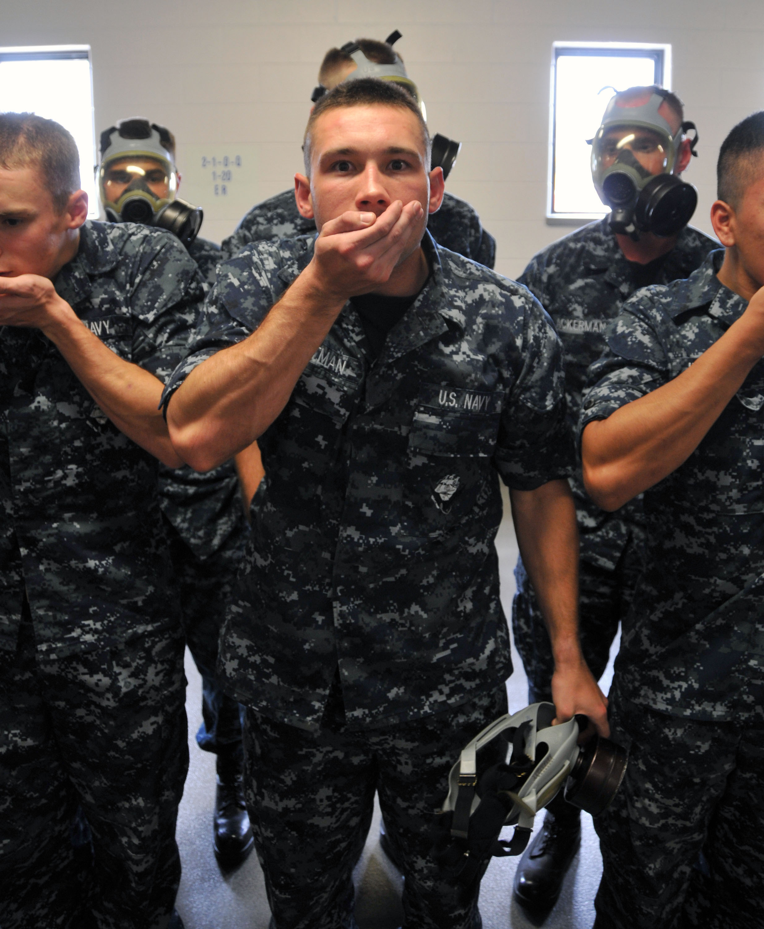 FileUS Navy Seaman Recruit Garrett Dietman Prepares For