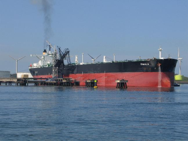 Oil tanker Omala in Rotterdam, Picture by Danny Cornelissen from the portpictures.nl