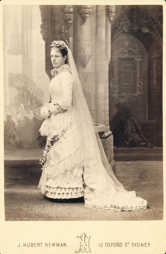 FileWoman In Wedding Dress 1850 3331836219jpg