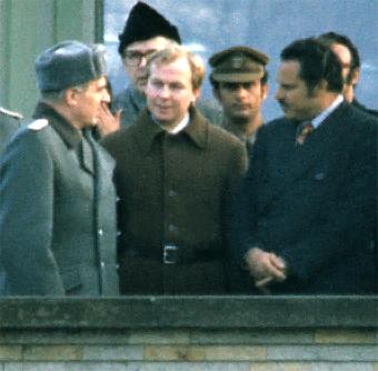 Archivo: Ali Nasir Muhammad (derecha) como Primer Ministro de República Democrática Popular de Berlín Oriental, 1978.jpg