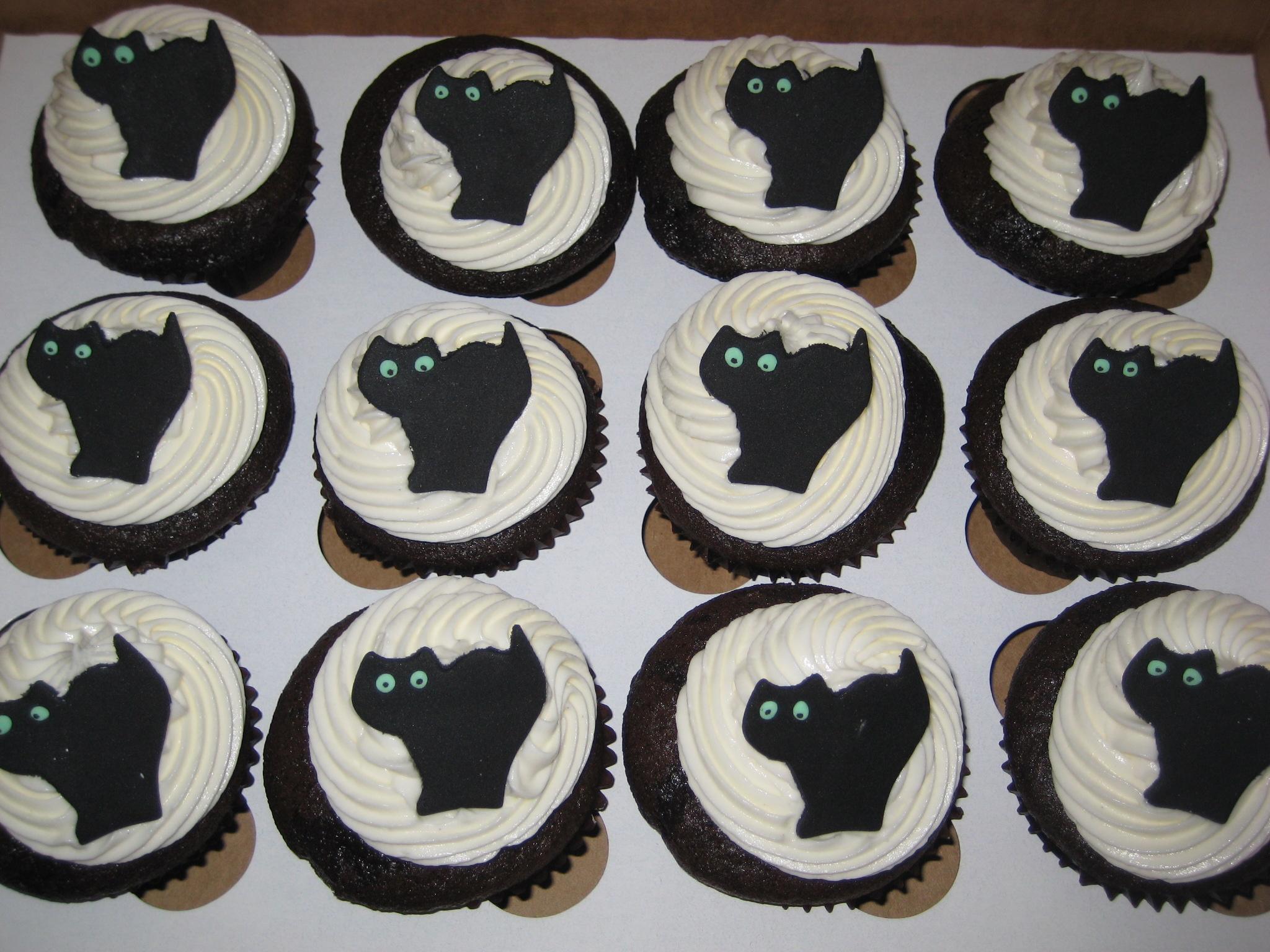 File:Black Cat Cupcakes.jpg
