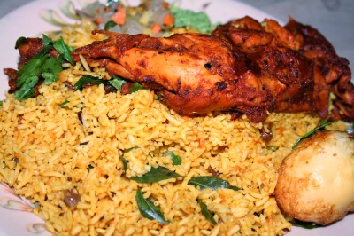 https://i2.wp.com/upload.wikimedia.org/wikipedia/commons/f/fe/Chicken_Biryani.jpg?resize=400%2C266