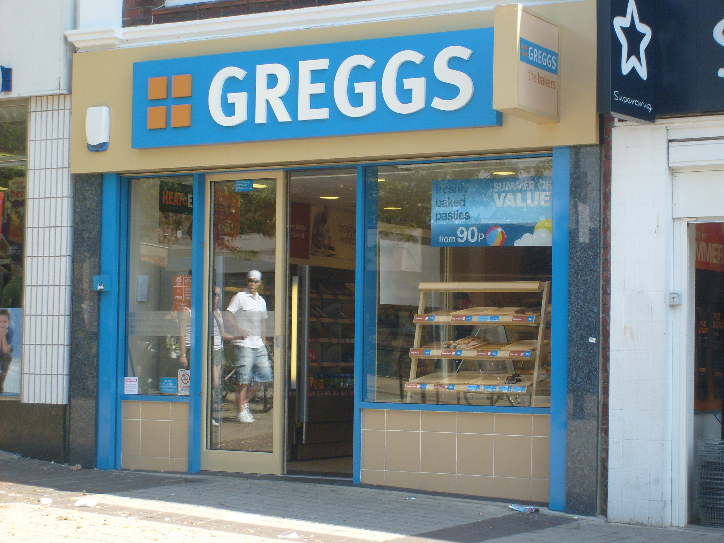 English: A modern Greggs the Bakery store front.