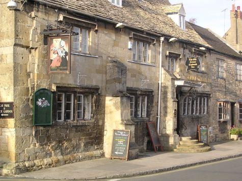 File:Corner Cupboard pub, Winchcombe, Cotswolds, England