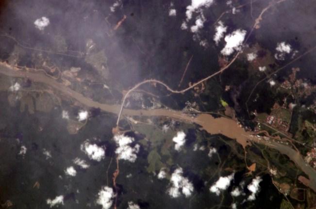 https://i2.wp.com/upload.wikimedia.org/wikipedia/commons/f/ff/Panama_canal_image.jpg?resize=651%2C431&ssl=1