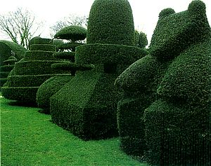 Topiary garden, Beckley Park manor, Oxfordshir...