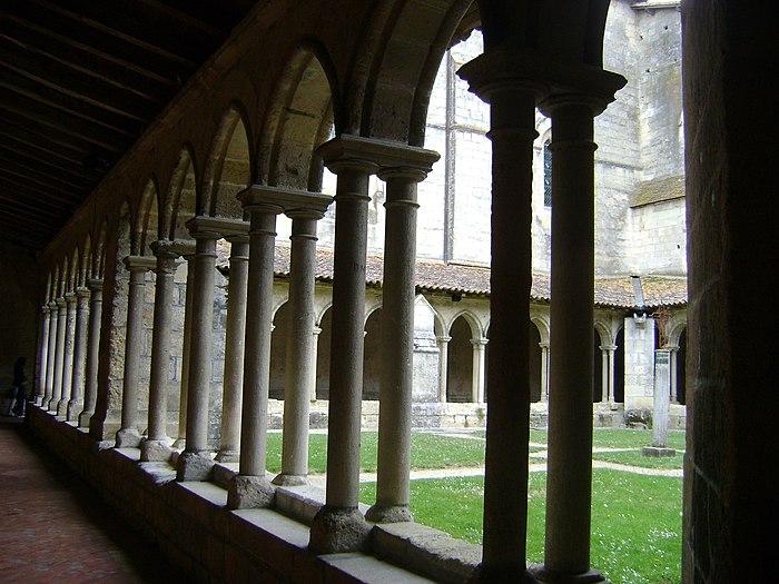 Eglise Collgiale Saint Emilion Monument Historique