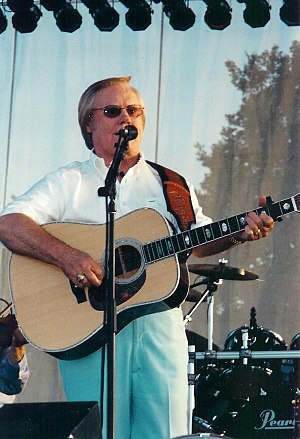 English: George Jones performing at Harrah's M...