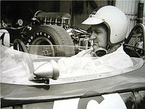 Denis Hulme 1965 im Brabham Climax im Fahrerla...