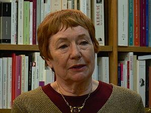 Français : La poète Marie-Claire Bancquart lor...