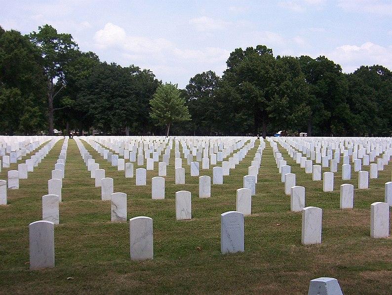 File:Memphis national cemetery.jpg