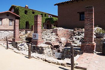 English: The ruins of Mission San Juan Capistr...