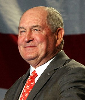 Gov Sonny Perdue of Georgia at Saxby ralley