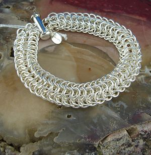 English: ChainMaille Dragon's Back Bracelet or...