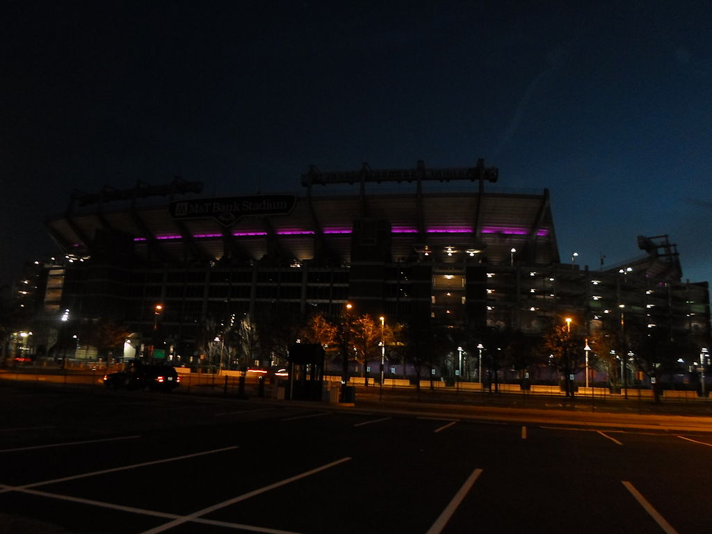 File M Amp T Bank Stadium 2013 Postseason Purple Led Lighting