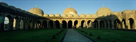 File:Mandu, Jami Masjid.jpg