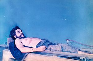 Che Guevara's corpse on display in Vallegrande...