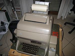 """Siemens """"Fernscheiber 100"""" teletype...."""