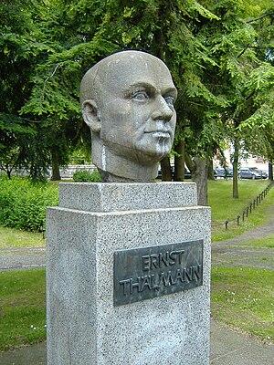 Deutsch: Ernst Thälmann Denkmal in Werdau.