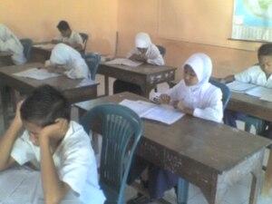 Bahasa Indonesia: Siswa MI Tarbiyatusy Syubban...