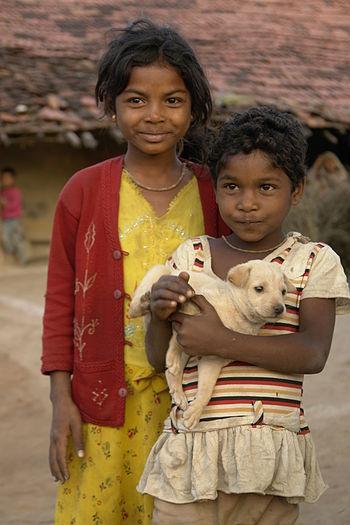English: Children in Raisen district (Bhil tri...