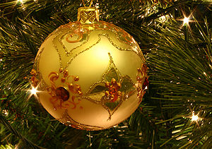 English: A bauble on a Christmas tree.