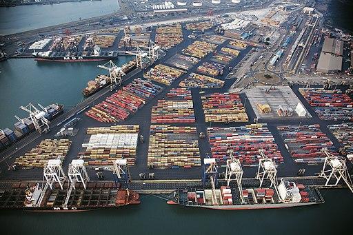 Durban container port (24747434937)