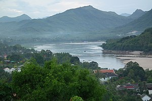 日本語: Phou si - Mekong River - Luang Prabang La...