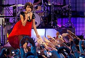 English: Selena Gomez performing Who Says at 2...