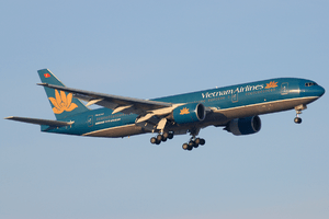 English: A Vietnam Airlines Boeing 777-26K/ER ...