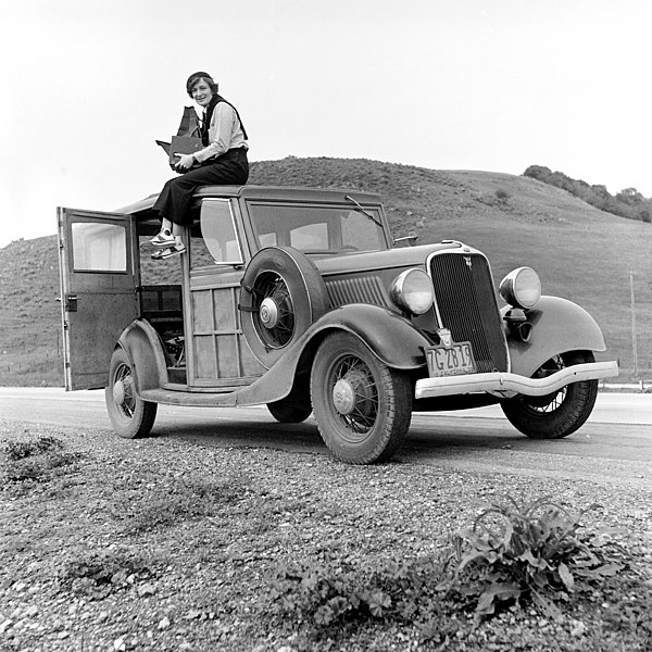 Ficheiro:Dorothea Lange 1936.jpg