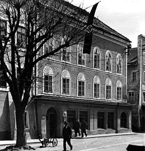 Adolf Hitler's birth house in Braunau am Inn (...