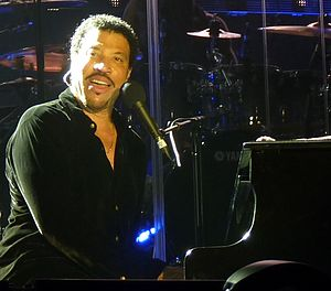 English: Lionel Richie performing on stage on ...