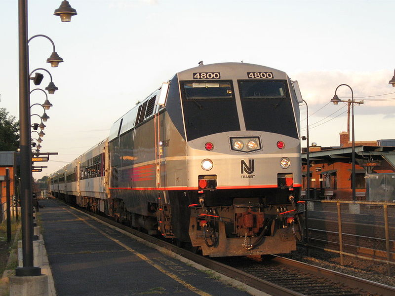 File:New Jersey Transit GE P40DC 4800.jpg
