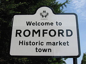 English: Havering/Romford welcome sign at Rone...