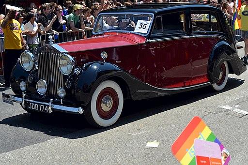 Fancy Old Car (5878919049)