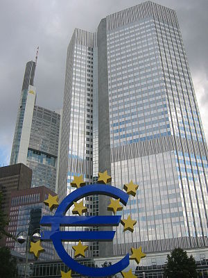 Image:Frankfurt, European Central Bank with Euro.
