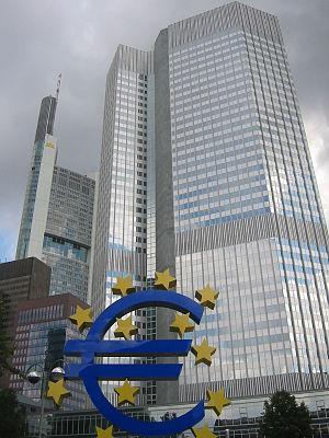 Image:Frankfurt, European Central Bank with Euro.