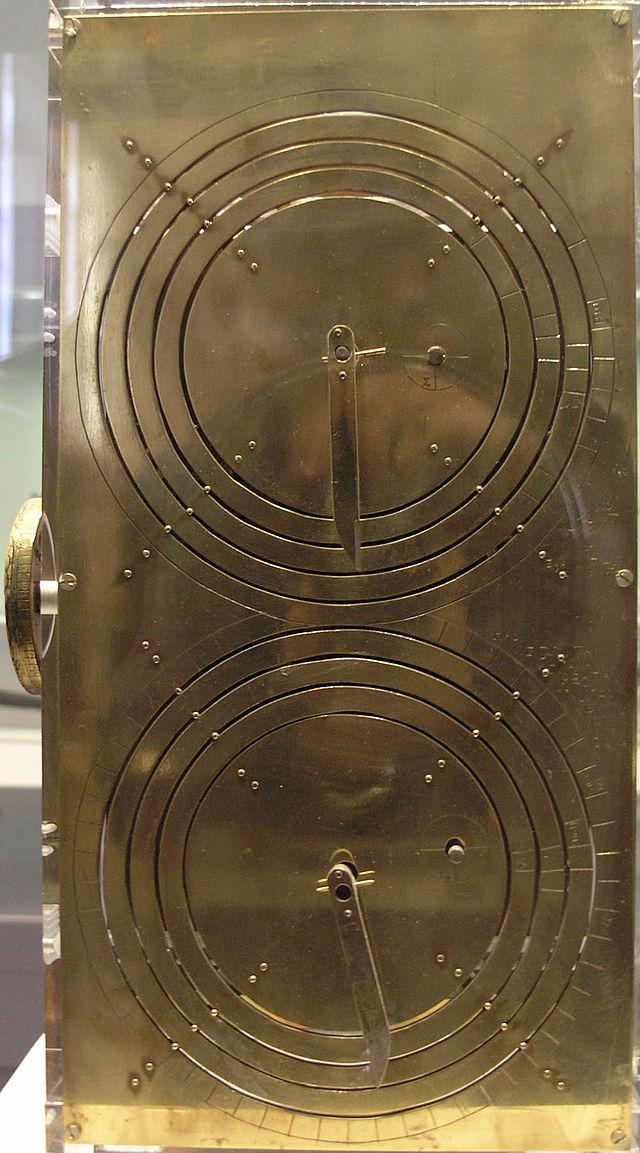 Reconstrucción del mecanismo de Anticitera en el Museo Arqueológico Nacional de Atenas