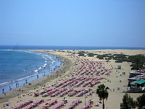 English: Beach of Playa del Ingles, general vi...