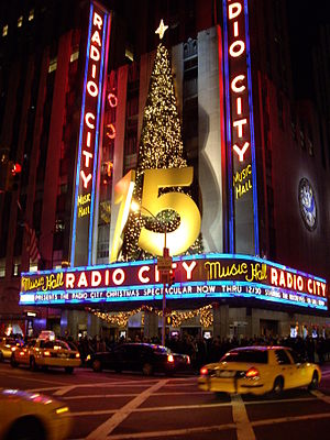 English: Radio City Music Hall by Night