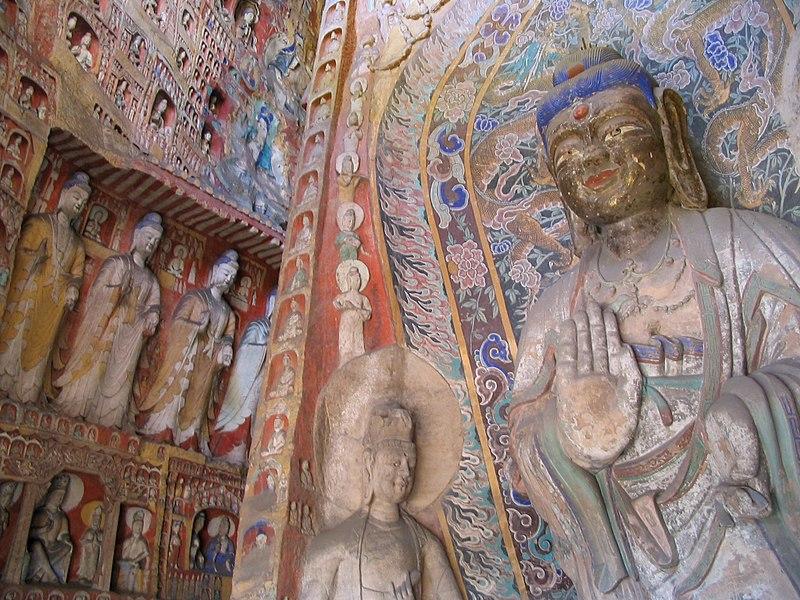 File:Side wall statues Yungang.jpg